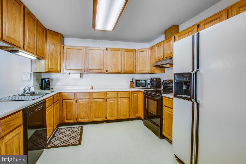 Spacious Kitchen - 4400 BRIGGS WAY, BUMPASS