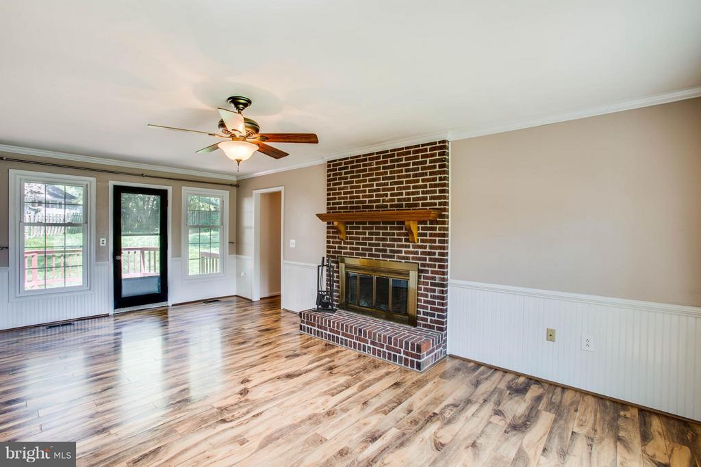 Family Room - 5 STABLE WAY, FREDERICKSBURG