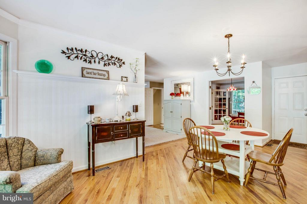 Seating Area in Kitchen - 12647 BELLEFLOWER LN, FREDERICKSBURG