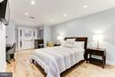 Master bedroom with sitting area and desk space. - 1830 JEFFERSON PL NW #1, WASHINGTON