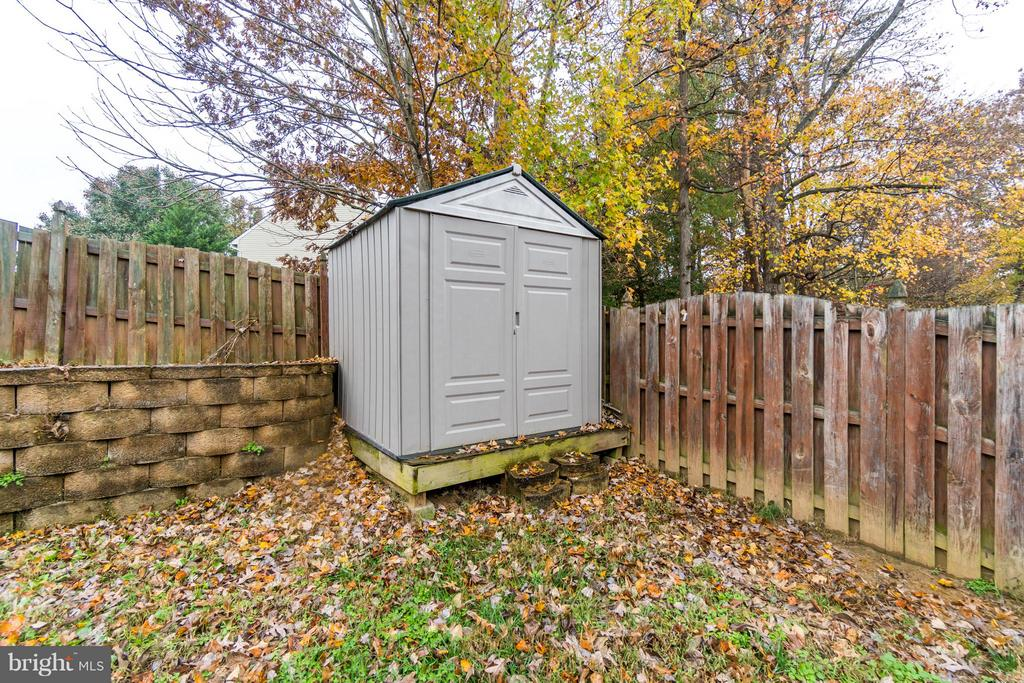 Shed - 60 SAINT ROBERTS DR, STAFFORD
