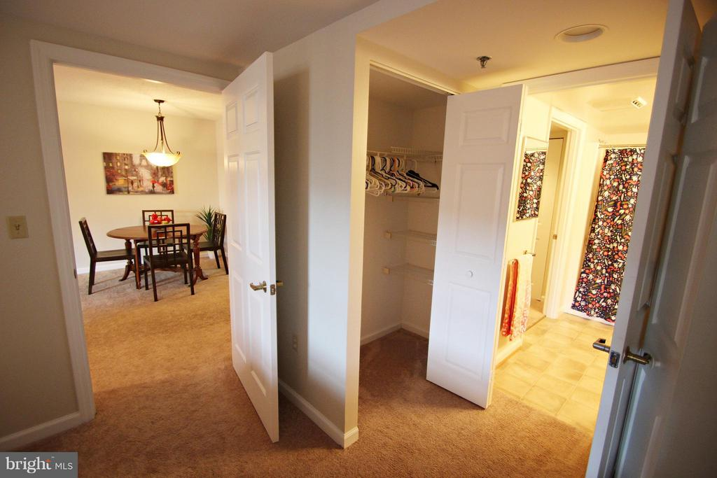 Bedroom has Double Entry - 900 TAYLOR ST #1111, ARLINGTON