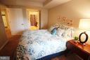 Bedroom Opens to Bathroom - 900 TAYLOR ST #1111, ARLINGTON