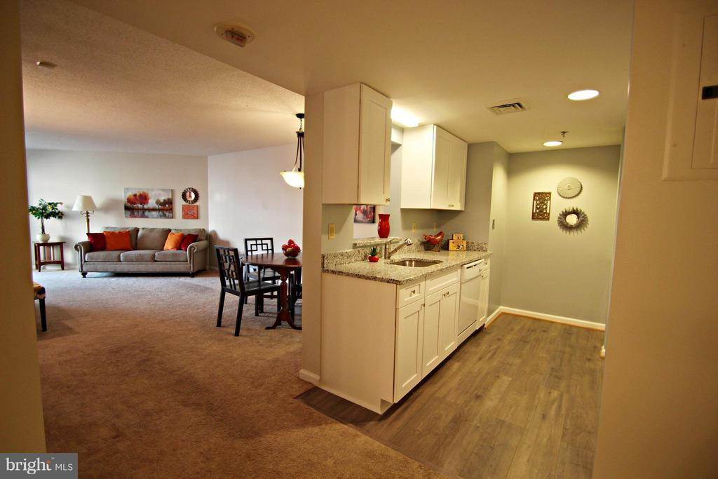 Perfect for entertaining friends and family. - 900 TAYLOR ST #1111, ARLINGTON