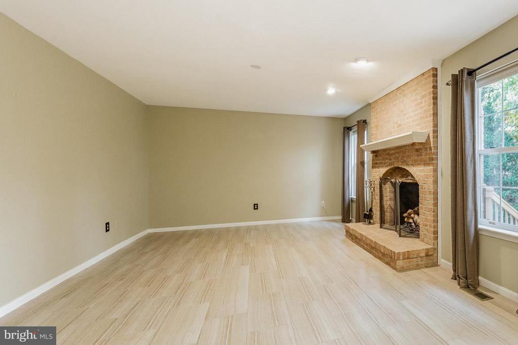 Family Room - 10565 WINGED ELM CIR, MANASSAS