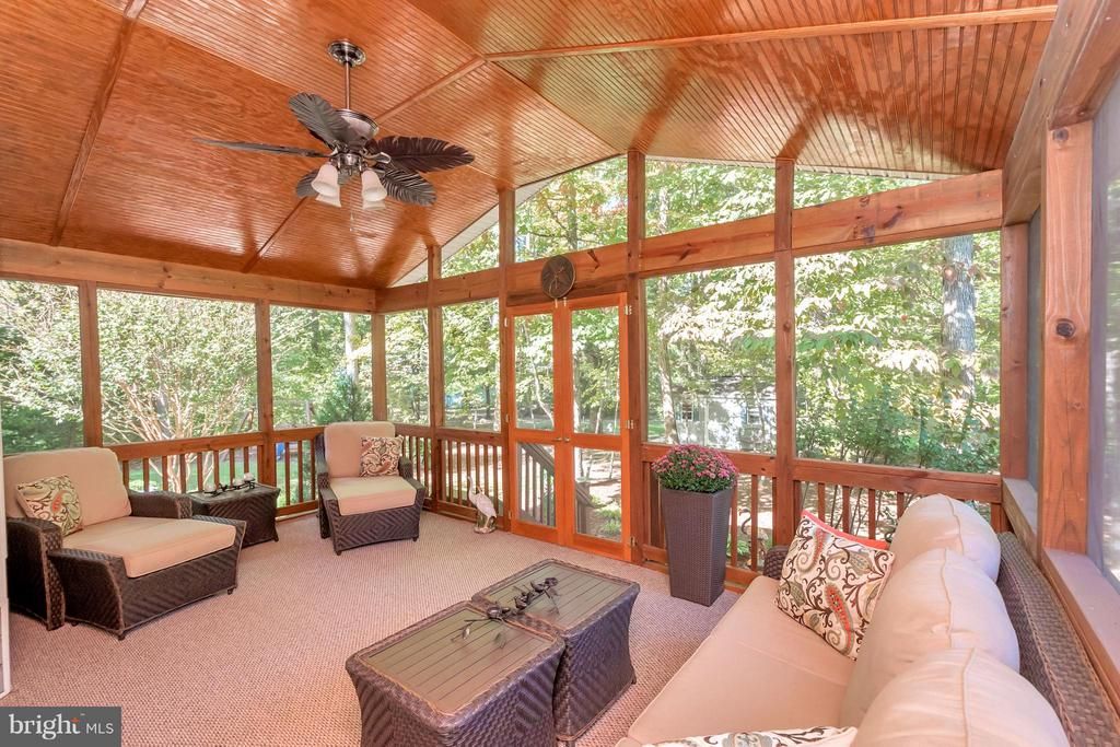 A photo speaks 1000 words - this space is superb! - 316 LIBERTY BLVD, LOCUST GROVE