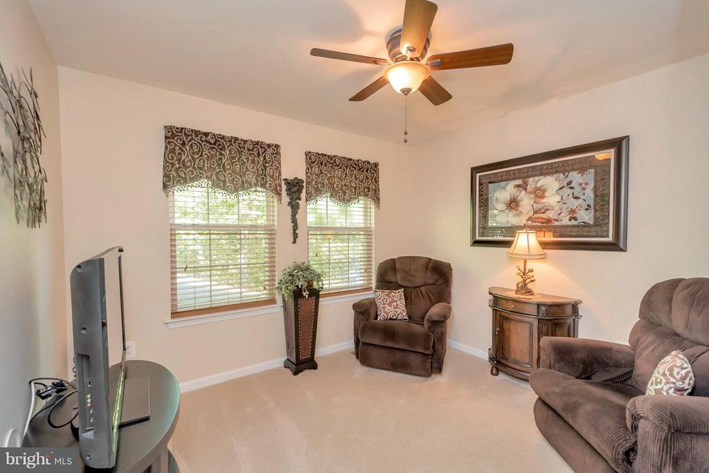Bedroom currently utilized as a sitting room - 316 LIBERTY BLVD, LOCUST GROVE