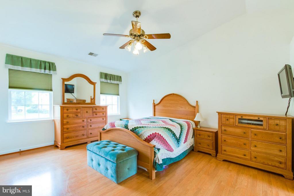 Master Bedroom - 9310 SHANNON ST, MANASSAS PARK