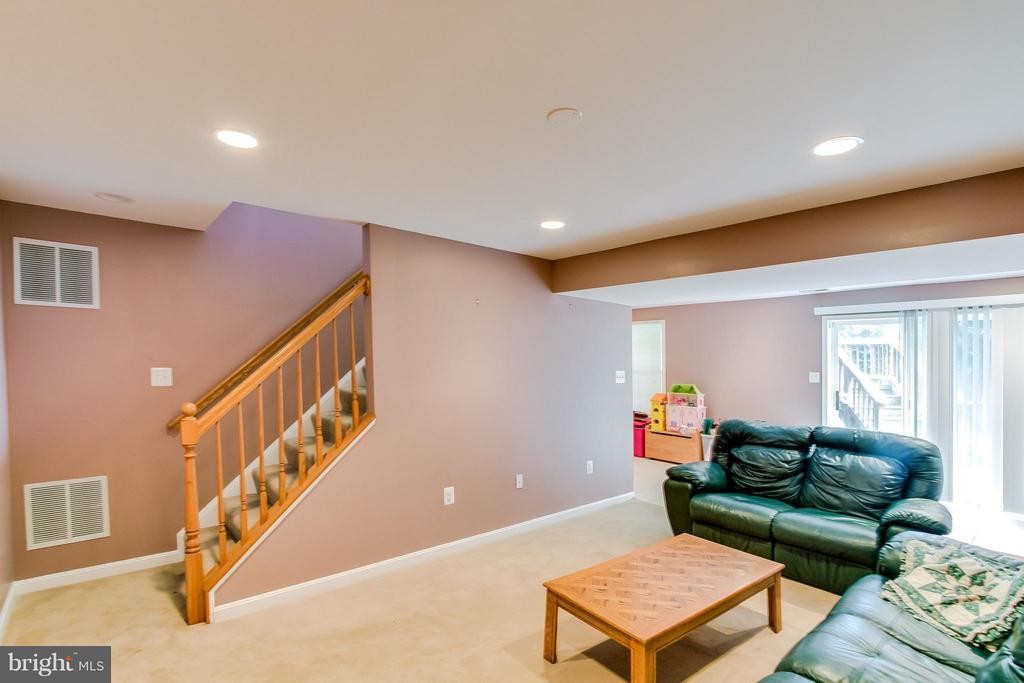 Finished Family Room - 9310 SHANNON ST, MANASSAS PARK