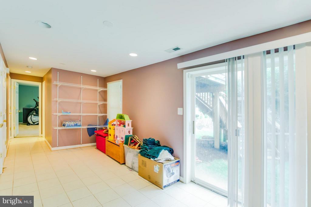 Family Room - 9310 SHANNON ST, MANASSAS PARK