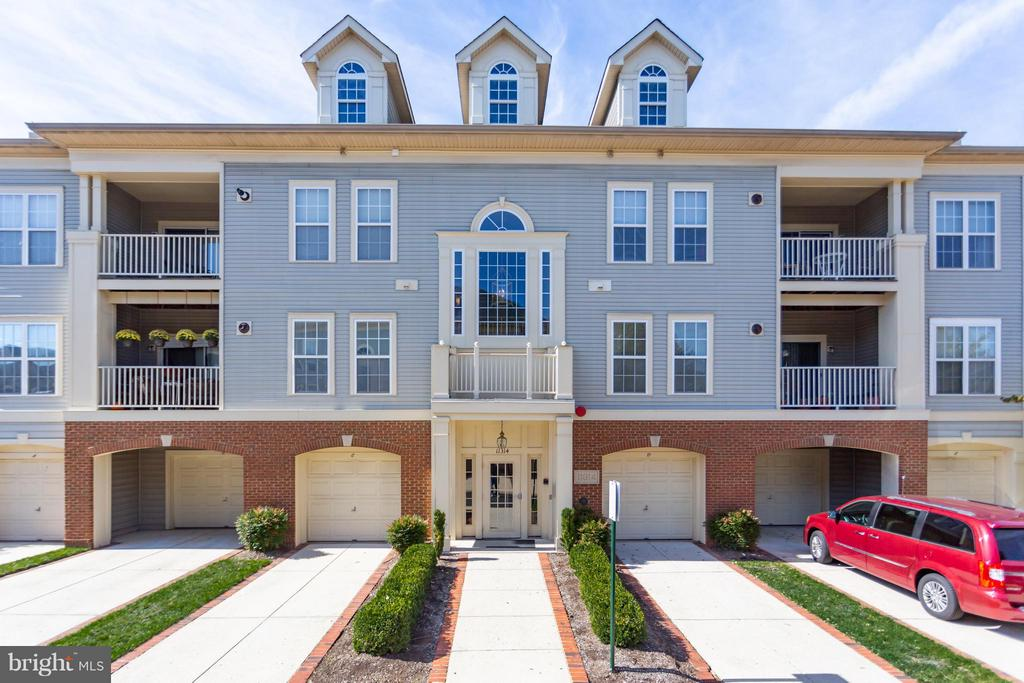 Welcome home! - 11314 WESTBROOK MILL LN #303, FAIRFAX