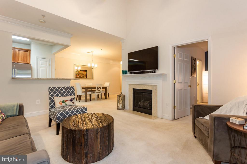 Gas fireplace for upcoming cooler nights - 11314 WESTBROOK MILL LN #303, FAIRFAX