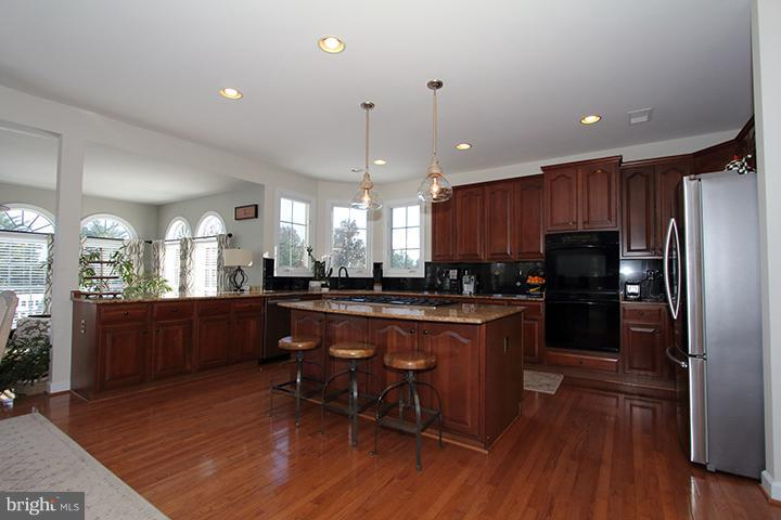 Amazing kitchen!!! - 40710 JADE CT, LEESBURG