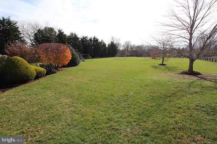 3 acre private lot - 40710 JADE CT, LEESBURG