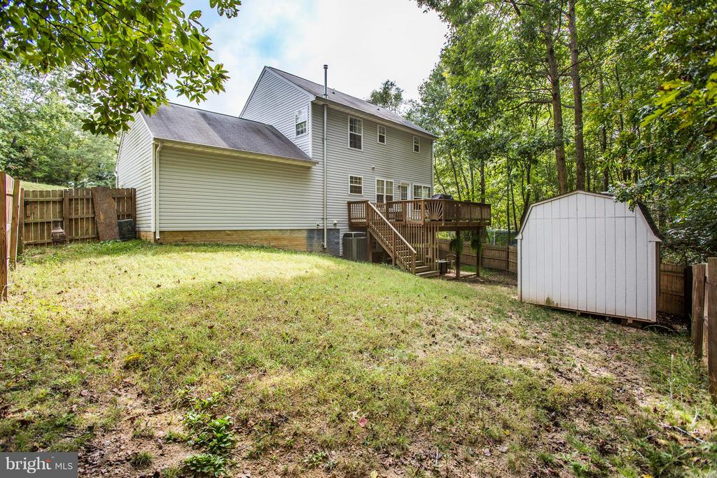 Fenced Backyard with storage shed - 49 WILLOW BRANCH PL, FREDERICKSBURG