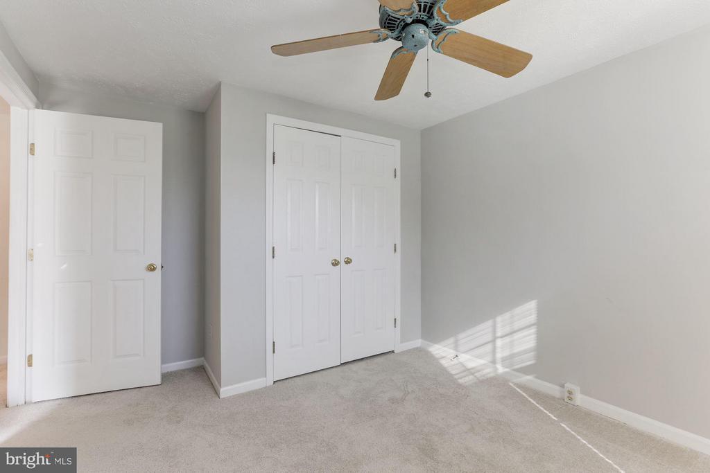 Second bedroom w/ large closet. - 43979 CHOPTANK TER, ASHBURN