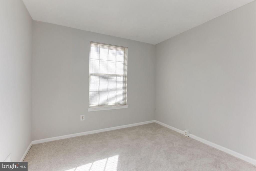 Third bedroom w/ new carpet. - 43979 CHOPTANK TER, ASHBURN