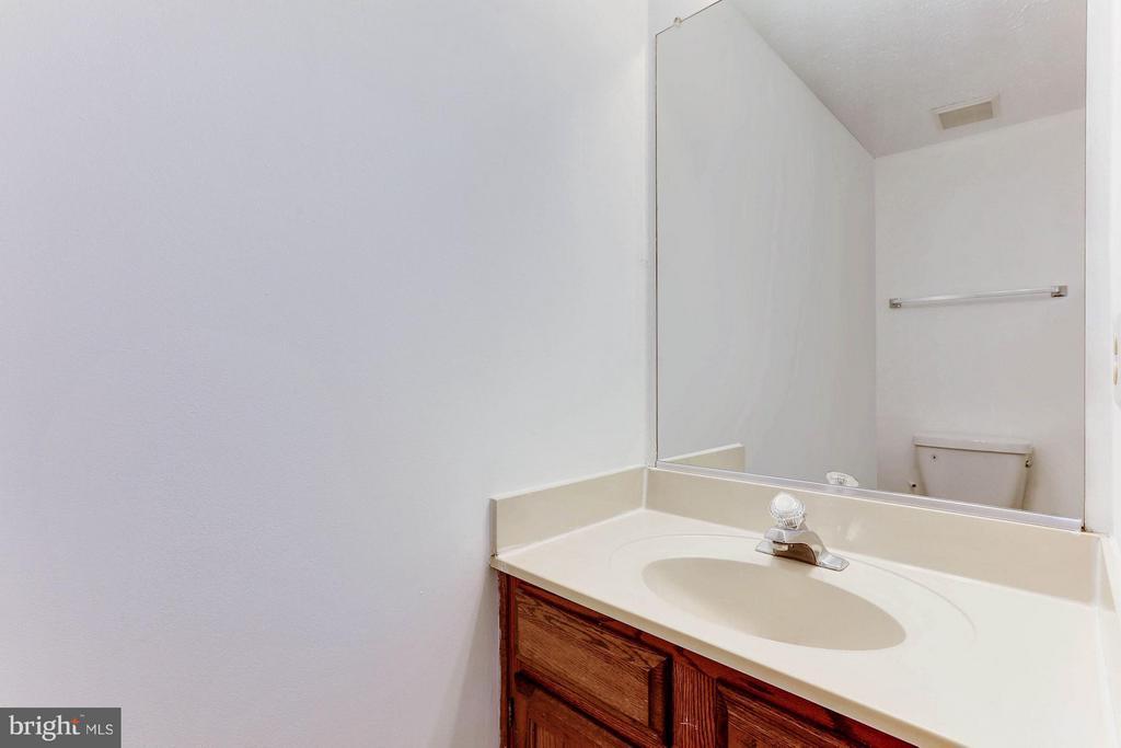 Half bath on main level. - 43979 CHOPTANK TER, ASHBURN