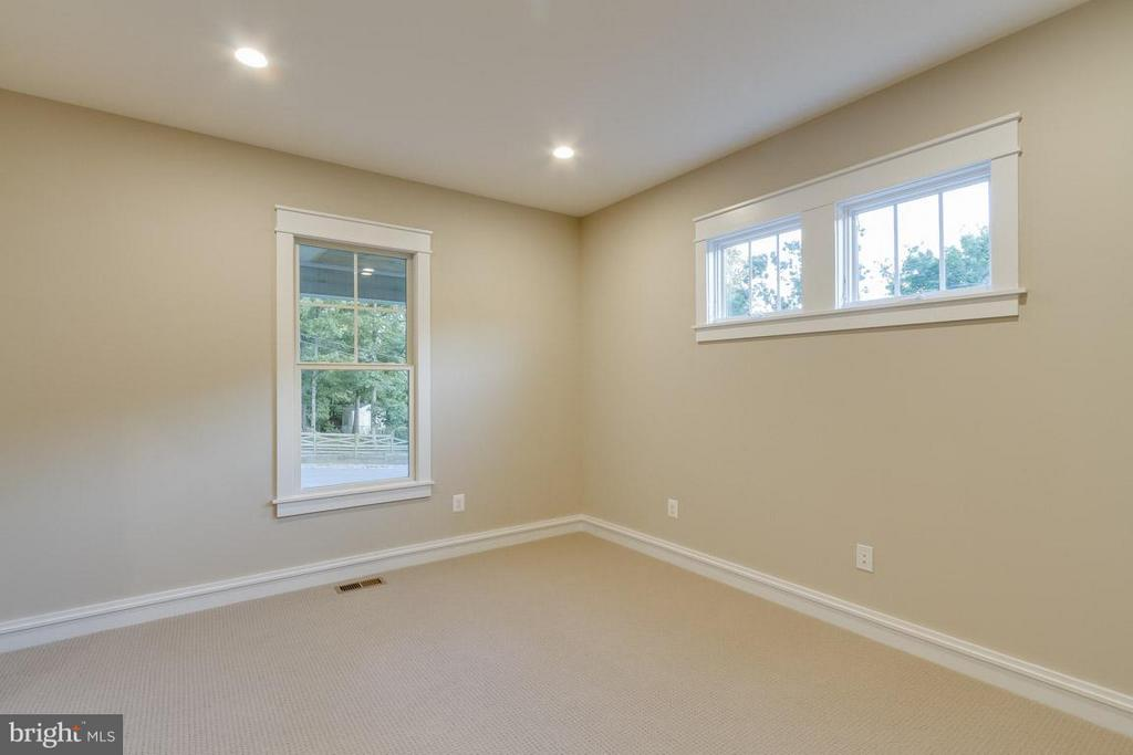 Living Room - 852 3RD ST, HERNDON