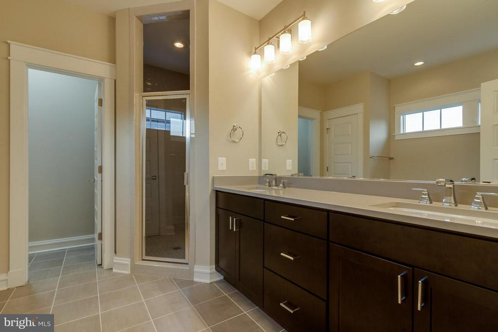 Double Vanity and Custom Shower - 852 3RD ST, HERNDON