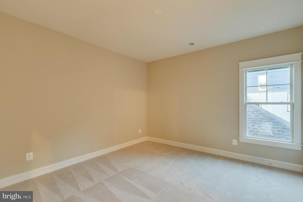 Bedroom - 852 3RD ST, HERNDON