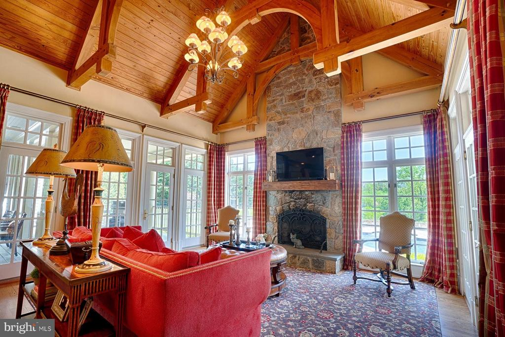 Family Room open to kitchen with exposed beams - 17094 SILVER CHARM PL, LEESBURG