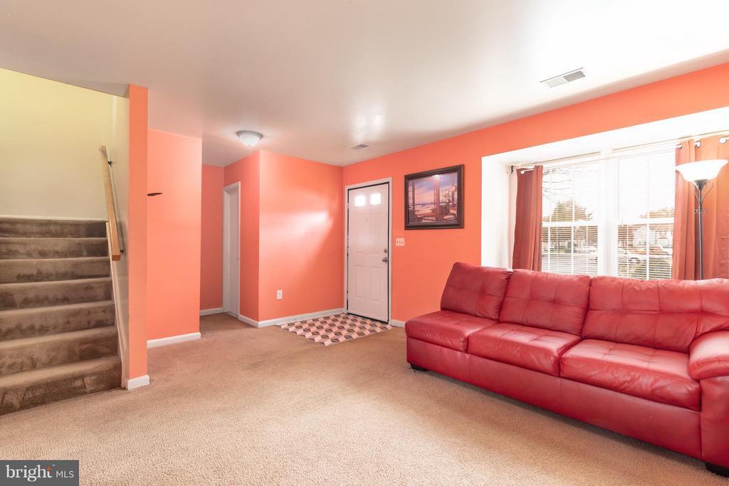 Living Room - 7810 GATESHEAD LN, MANASSAS