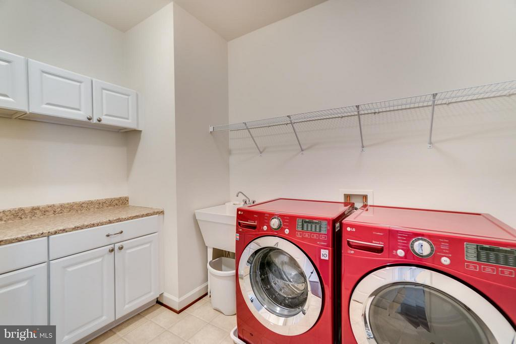 Upstairs/bedroom level Laundry room - 12802 MACINTYRE CT, FREDERICKSBURG