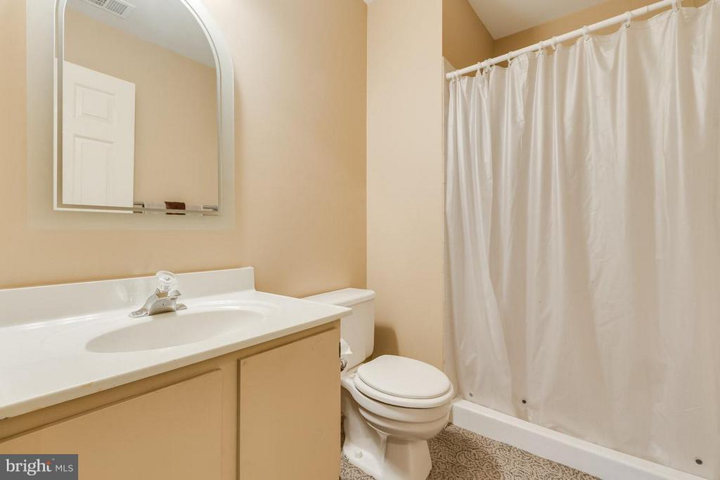 Bath - 3514 CALEDONIA CIR, WOODBRIDGE