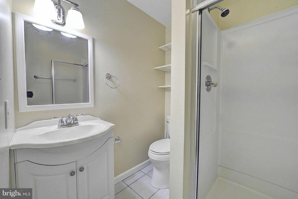 Full Bath In Basement - 10854 BURR OAK WAY, BURKE