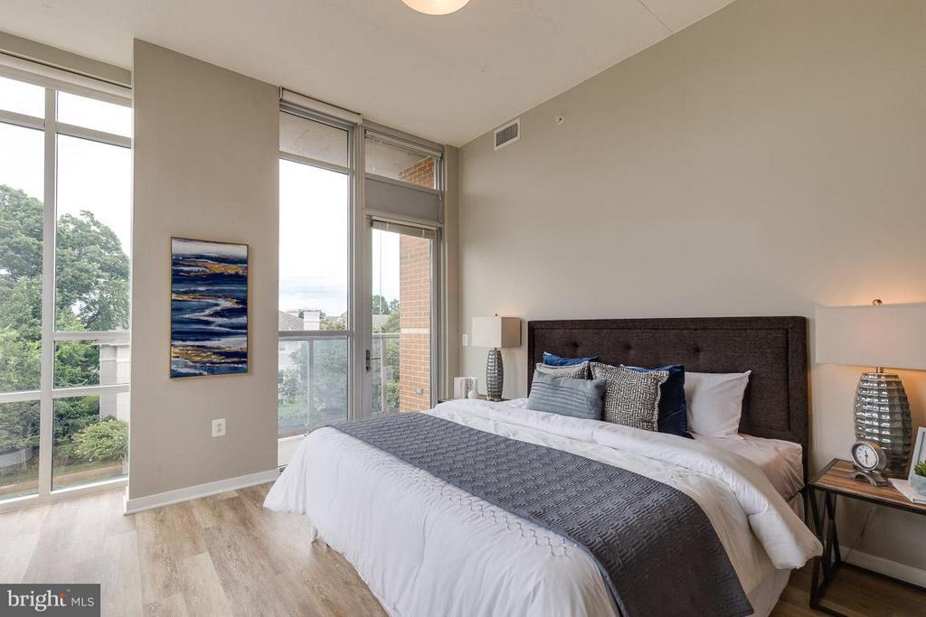 Bedroom (Master) - 12025 NEW DOMINION PKWY #222, RESTON