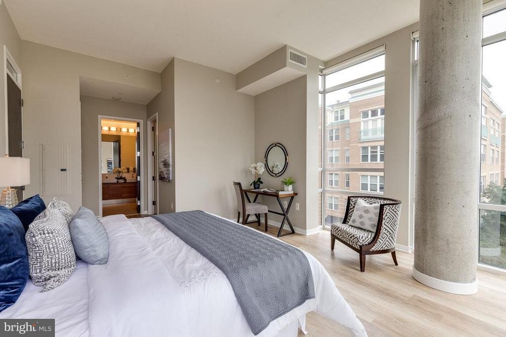 Bedroom (Master) - 12025 NEW DOMINION PKWY #222, RESTON