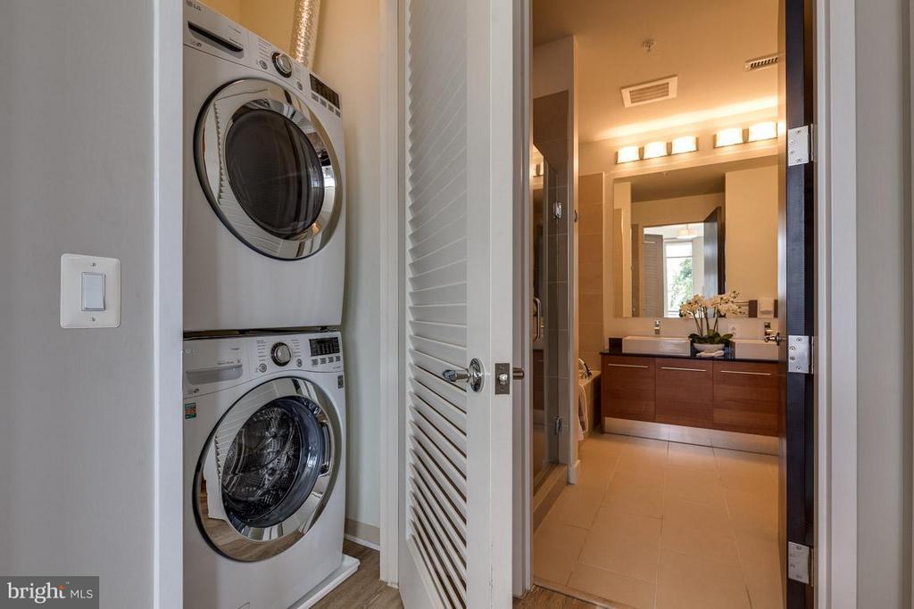 Laundry - 12025 NEW DOMINION PKWY #222, RESTON