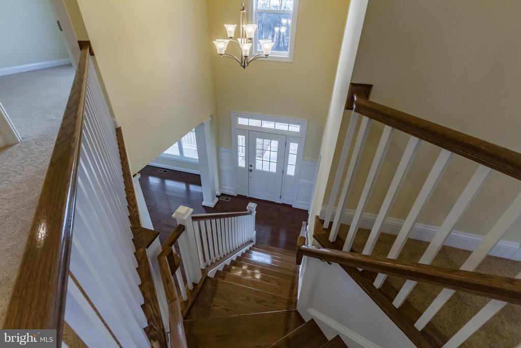 Impressive Entry - 208 SAINT ANDREWS CT, WINCHESTER