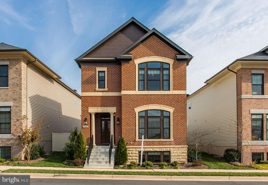 20422  ROSLINDALE DRIVE, Ashburn, Virginia