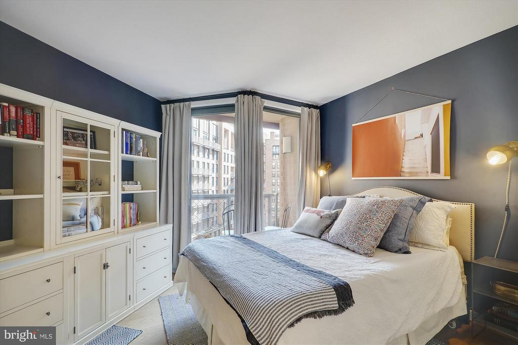 Bedroom with balcony overlooking courtyard - 616 E ST NW #804, WASHINGTON
