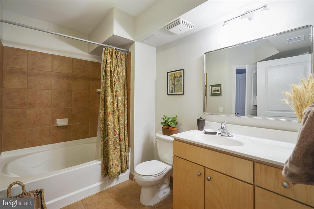 Large Bathroom with soaking tub - 616 E ST NW #804, WASHINGTON