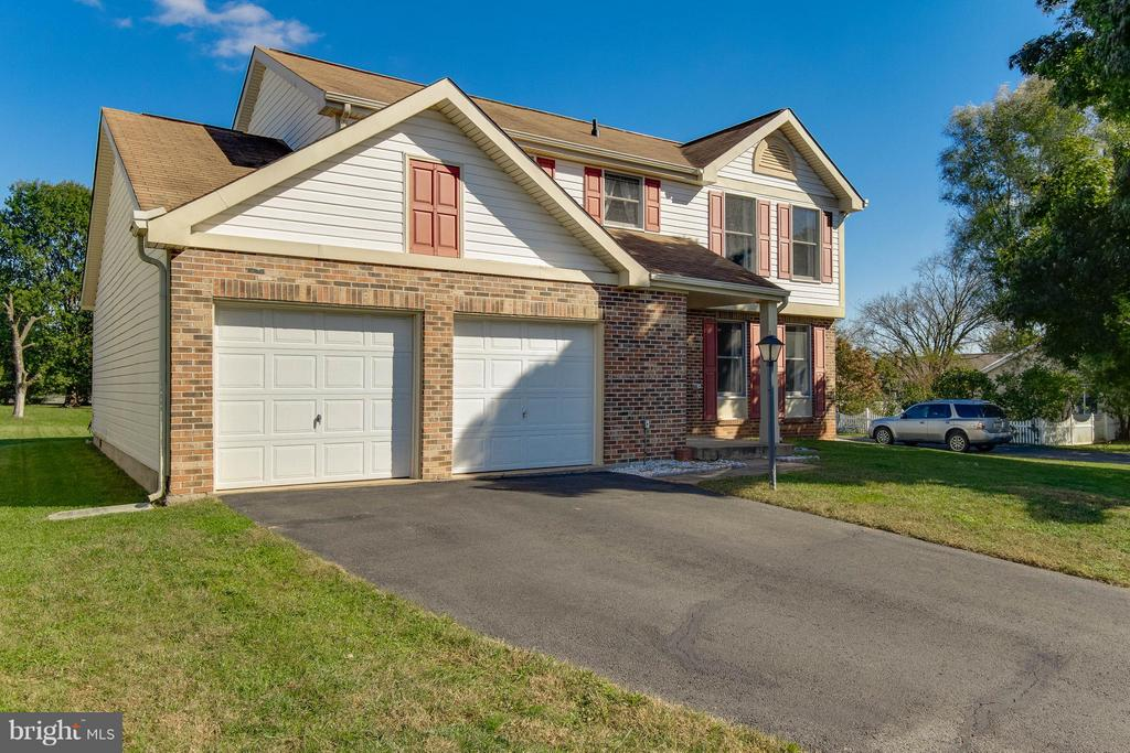 Two-Car Garage with Storage Area - 9811 FAIRMONT AVE, MANASSAS