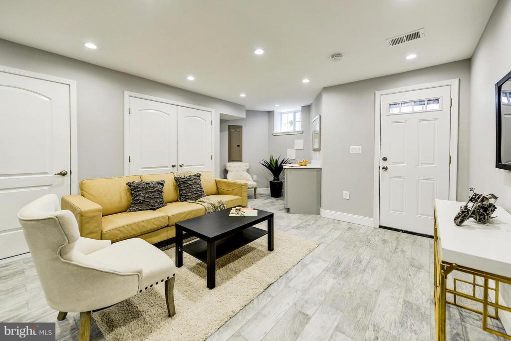 or in -law suite - 612 9TH ST NE, WASHINGTON
