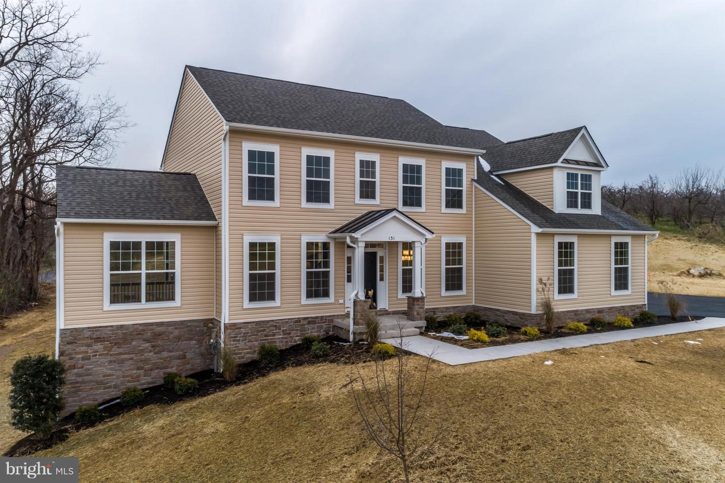 Single Family for Sale at 131 Chanterelle Ct Stephens City, Virginia 22655 United States
