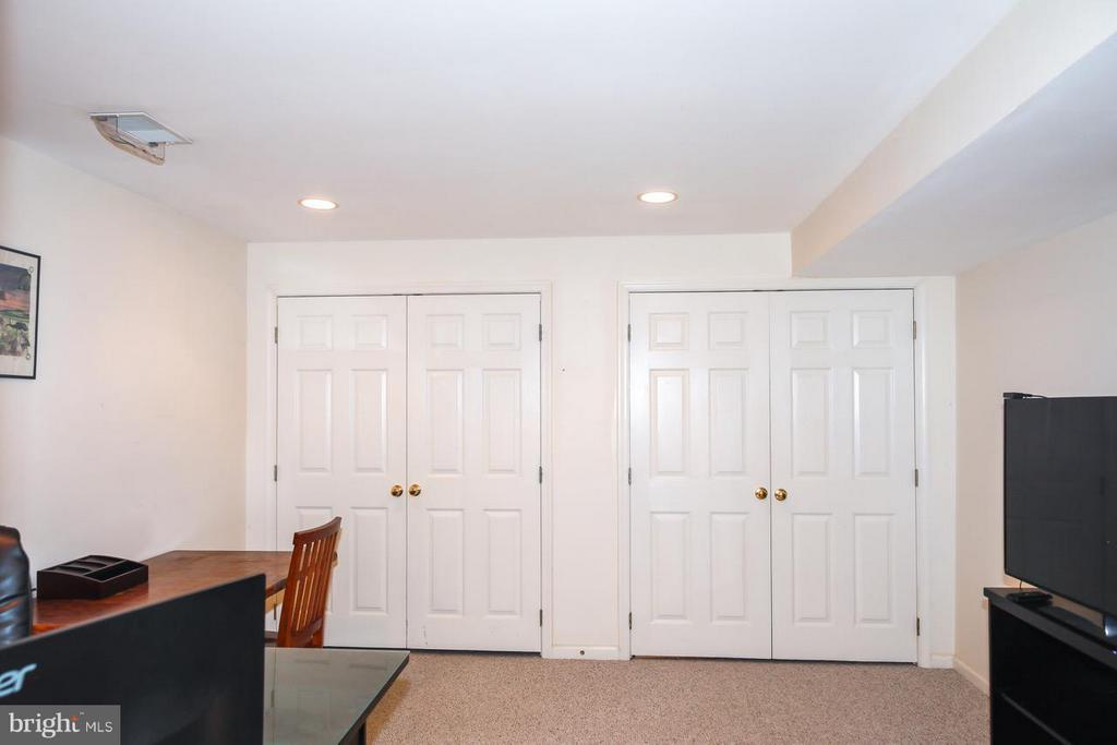 Double closets in lower finished room - 109 LAKE VIEW WAY NW, LEESBURG