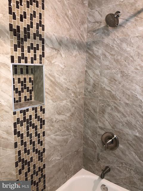 Full Bathroom 2 - 22 TUNIC AVE, CAPITOL HEIGHTS