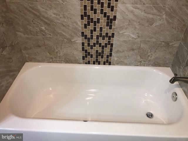 Full Bathroom 1 - 22 TUNIC AVE, CAPITOL HEIGHTS