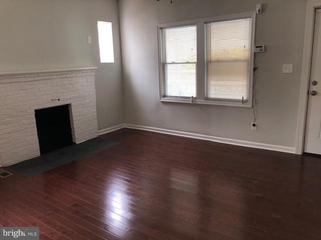 Living Room & Fire Place - 22 TUNIC AVE, CAPITOL HEIGHTS