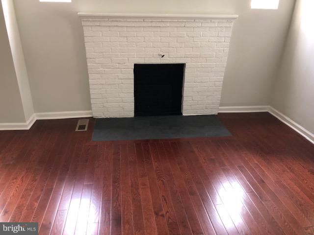 Fire Place - 22 TUNIC AVE, CAPITOL HEIGHTS