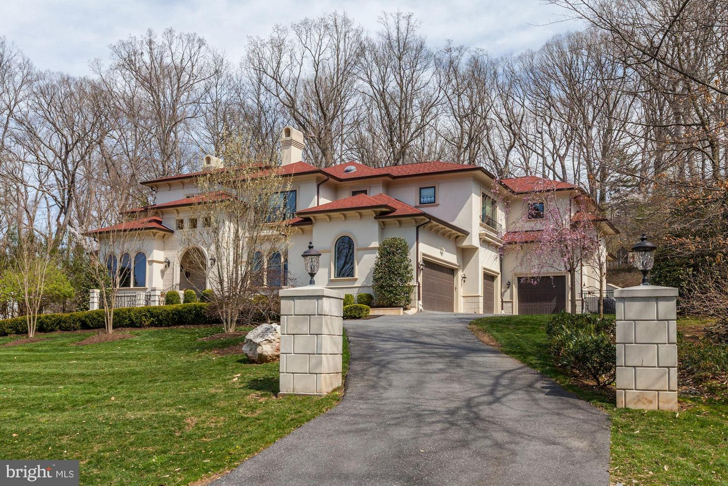 Photo of home for sale at 8505 Meadowlark Lane, Bethesda MD