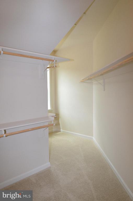 Bedroom (Master) Walk-n Closet - 10629 SMITH POND LN, MANASSAS