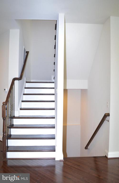 Rear Stairs & Basement Stairs - 10629 SMITH POND LN, MANASSAS