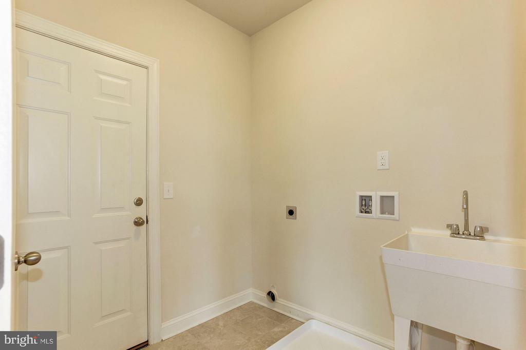 Laundry Room - 9403 BETTGE LAKE CT #1-3, LORTON
