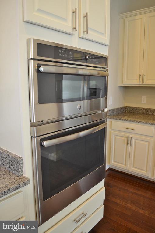 Kitchen - 10629 SMITH POND LN, MANASSAS